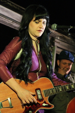 Shaela Miller at Bigwood 10. Photo by Richard Amery